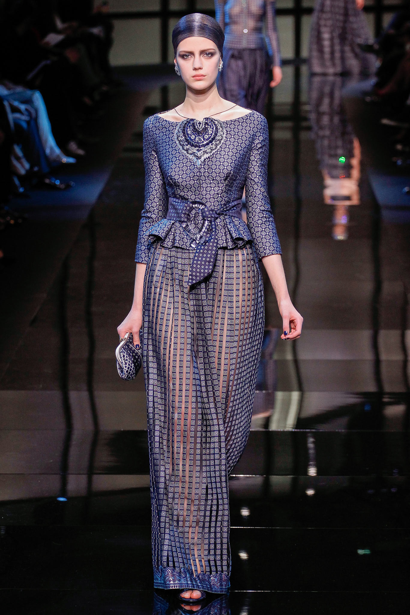 ESTHER_HEESCH_ARMANI_PRIVE_SPRING_2014_COUTURE_INDIGITAL-15.jpg
