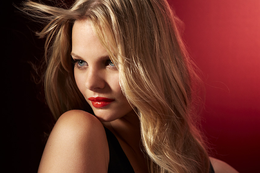 Marloes Horst is the newest face of Maybelline New York (Photography: Courtesy of Maybelline New York)
