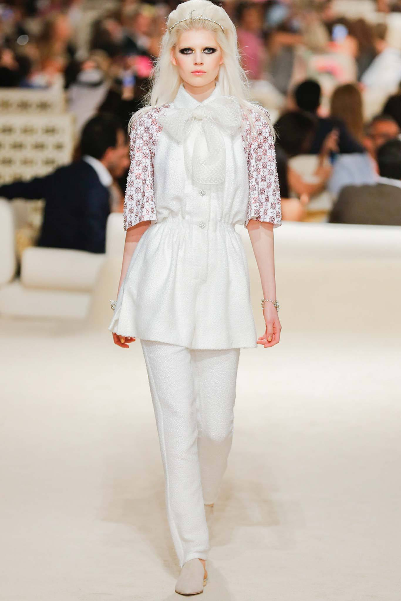 Ola Rudnicka | Chanel Cruise 2015 (Photography: Gianni Pucci / Indigitalimages.com via Style.com)