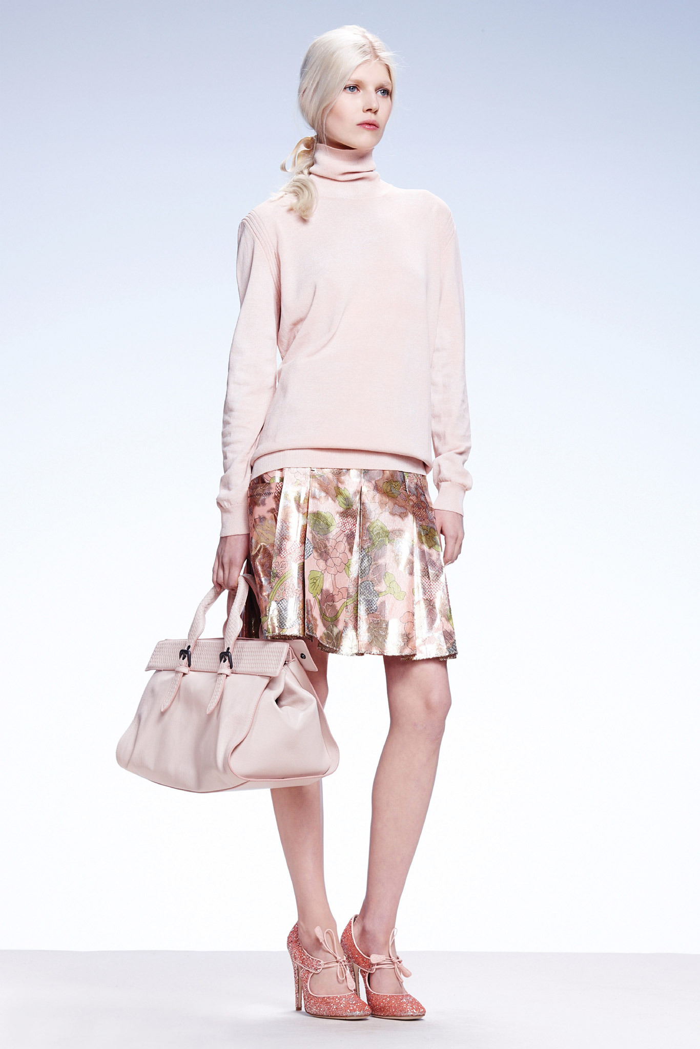 Ola Rudnicka | Bottega Veneta Resort 2015 (Photography: Courtesy Of Bottega Veneta via Style.com)