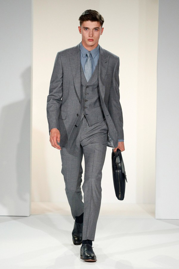 Matthew Holt (O) | Gieves & Hawkes Spring 2015 Menswear (Photography: courtesy of Gieves & Hawkes via Style.com)