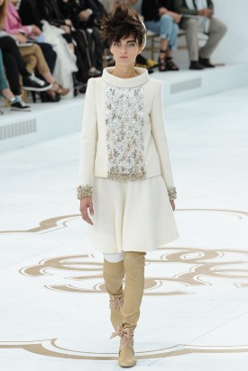 1-magda_laguinge_chanel_fall_2014_couture_indigital-1-275x412