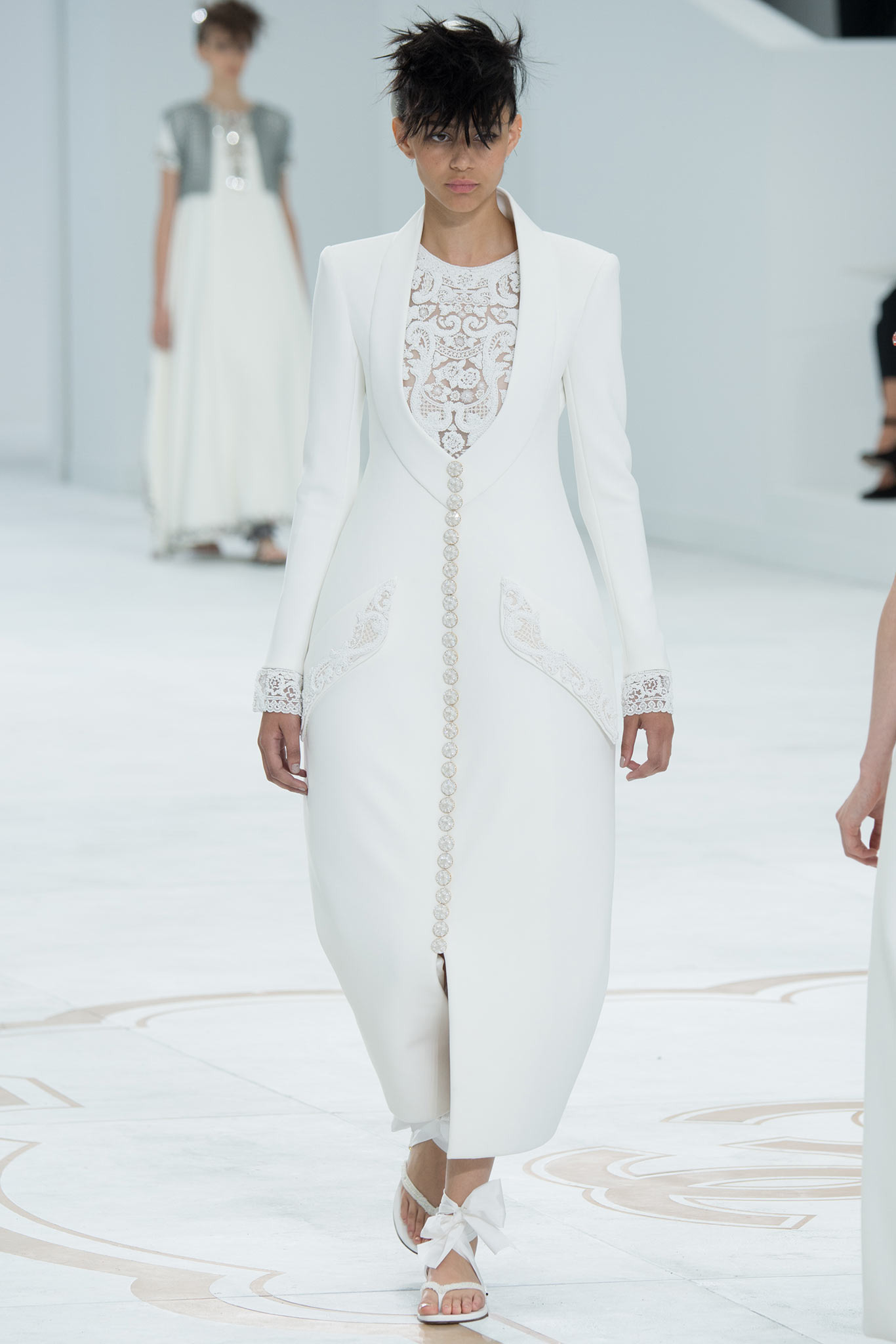 Binx | Chanel Fall 2014 Couture (Photography: Kim Weston Arnold / Indigitalimages.com via Style.com)