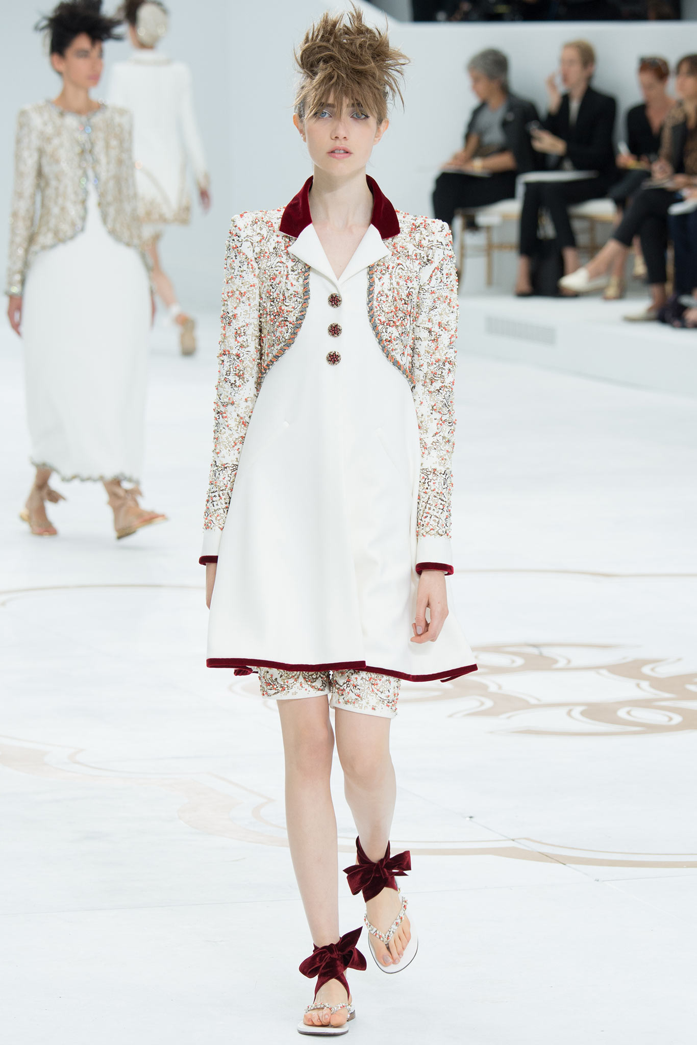 Grace Hartzel | Chanel Fall 2014 Couture (Photography: Kim Weston Arnold / Indigitalimages.com via Style.com)