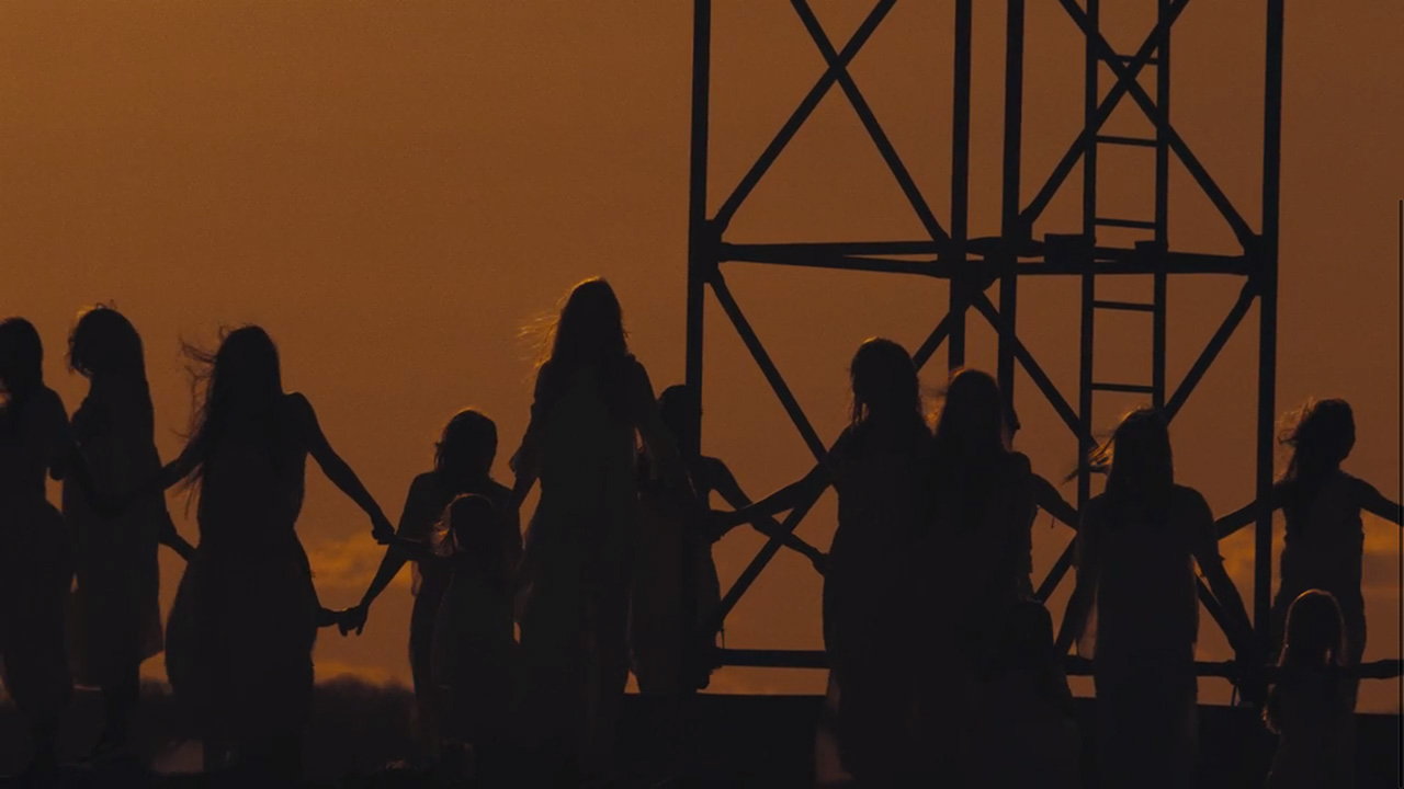 """Cult life goes on — """"Weight of Love"""" by The Black Keys (Video still: Theo Wenner)"""