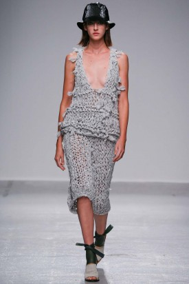 Cris Herrmann   Christian Wijnants Spring 2015 (Photography: Gianni Pucci / Indigitalimages.com via Style.com)