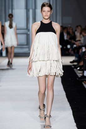 1-kia_low_giambattista_valli_spring_2015_indigital-8-275x412