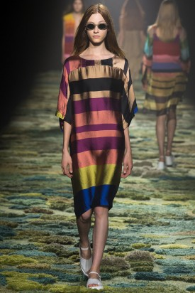 Lera Tribel | Dries Van Noten Spring 2015 (Photography: Yannis Vlamos / Indigitalimages.com via Style.com)