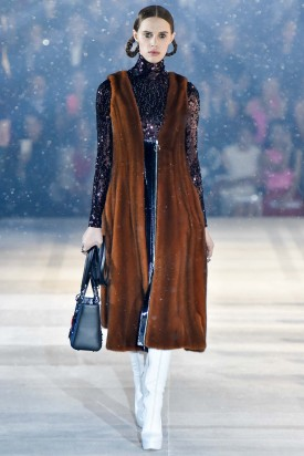 1-georgia_hilmer_christian_dior_pre_fall_2015_indigital-16-275x412