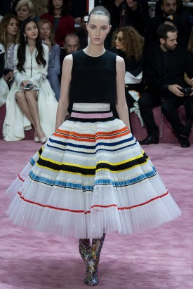6-liza_ostanina_christian_dior_spring_2015_couture_yannis_vlamos_indigital-54-closed-275x412