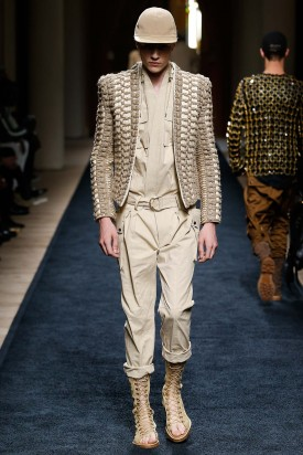 1-lucky_blue_smith_balmain_spring_2016_menswear_feudiguaineri-9-275x412