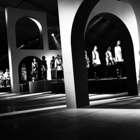 Arches, tick, self-moving platforms, tick | Kenzo Spring / Summer 2016 (Video still: Damien Neva)
