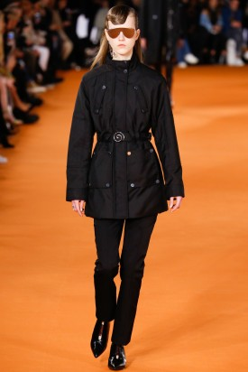 Julie Hoomans (C) | Opening Ceremony Fall 2016 Women's Ready-to-Wear (Photography: Luca Tombolini / Indigital.tv via Vogue.com)