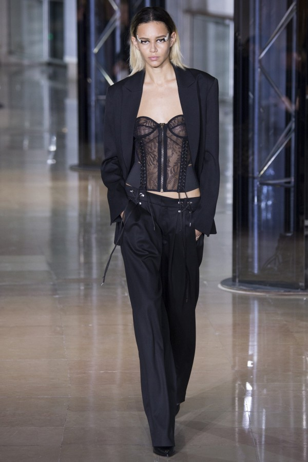 Binx | Anthony Vaccarello Autumn / Winter 2016 Women's Ready-to-Wear (Photography: Yannis Vlamos / Indigital.tv via Vogue.com)